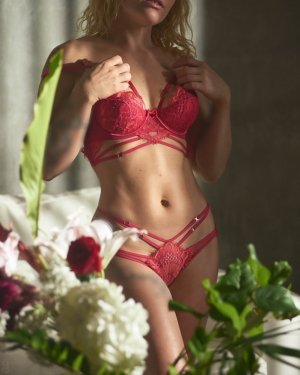 Marie-delphine escort girl in Culver City California