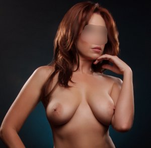 Alissia escort in New Berlin